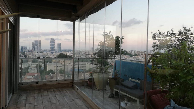 סגירת מרפסת שמש עם זכוכית